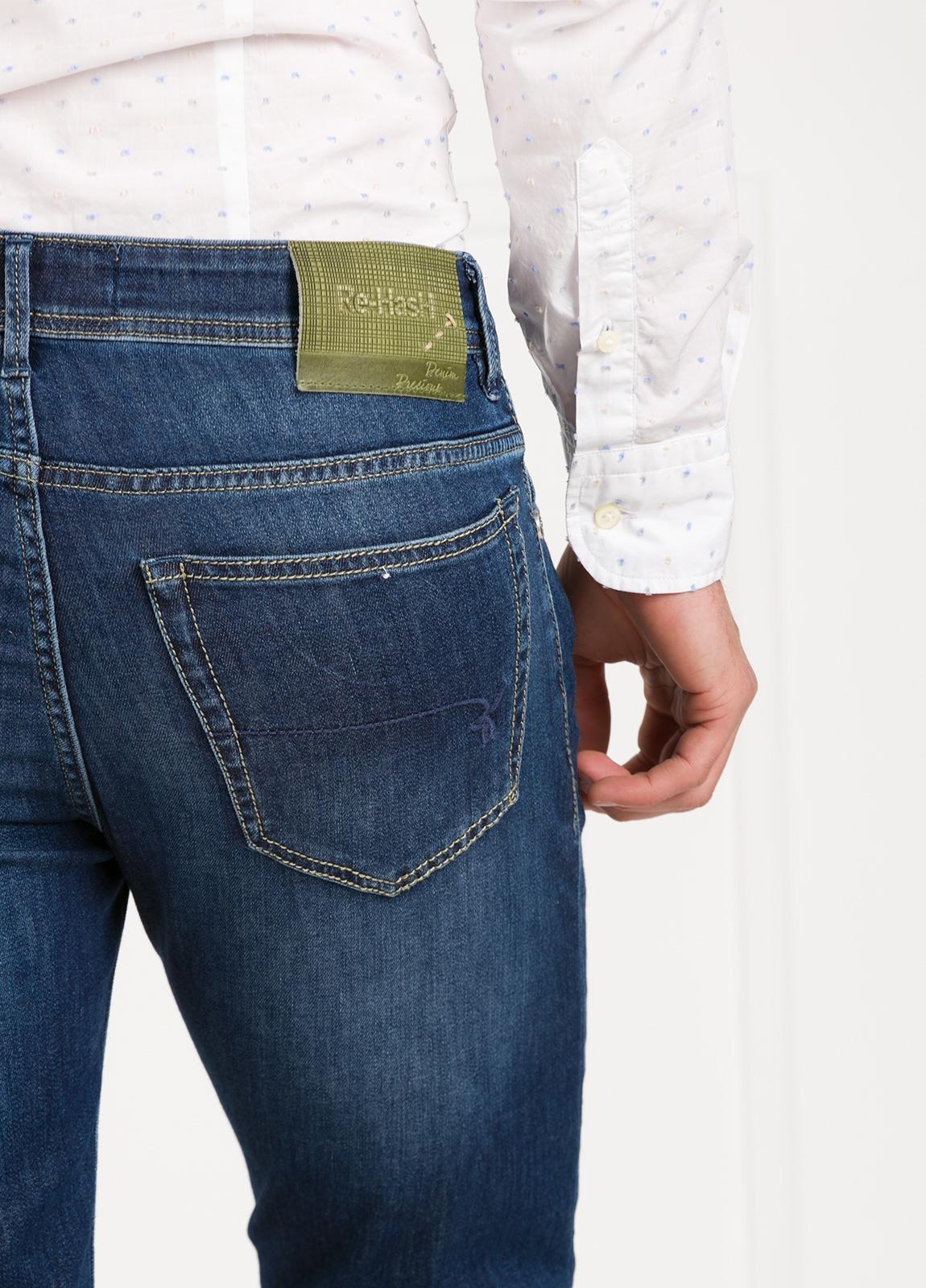 Pantalón tejano modelo POLLOCK P053 color azul. 92% Algodón, 6% Elastomultiéster, 2% Elastáno. - Ítem1
