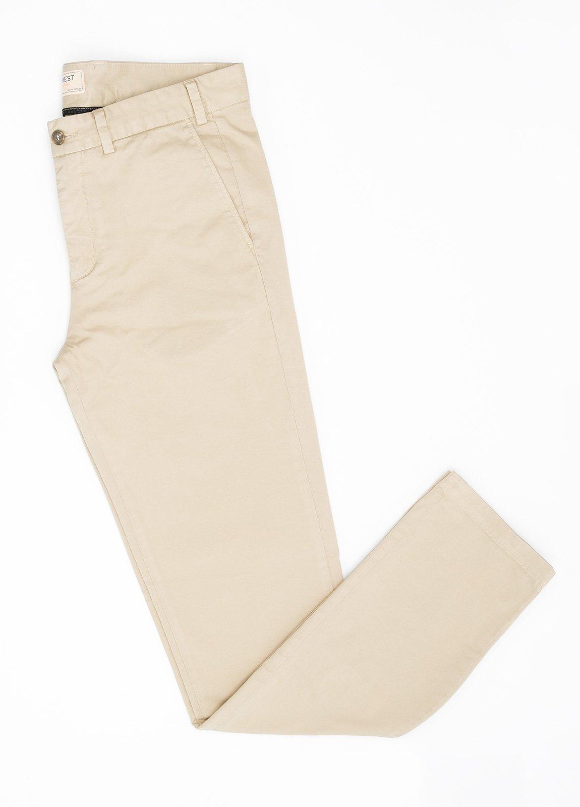 Pantalón Casual Wear, SLIM FIT micro textura color beige, 98% Algodón 2% Elastano.