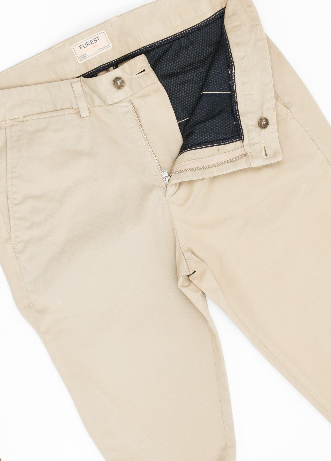 Pantalón Casual Wear, SLIM FIT micro textura color beige, 98% Algodón 2% Elastano. - Ítem2