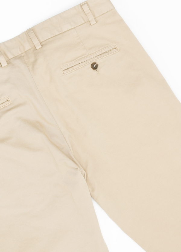 Pantalón Casual Wear, SLIM FIT micro textura color beige, 98% Algodón 2% Elastano. - Ítem1