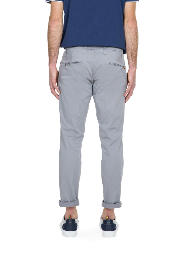 Pantalón chino color gris con pinzas. 100% Algodón. - Ítem3