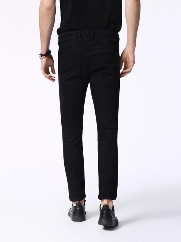 Pantalón joggjeans modelo KROOLEY color azul oscuro 90% Algodón 8% Poliéster 2% Elastáno. - Ítem1