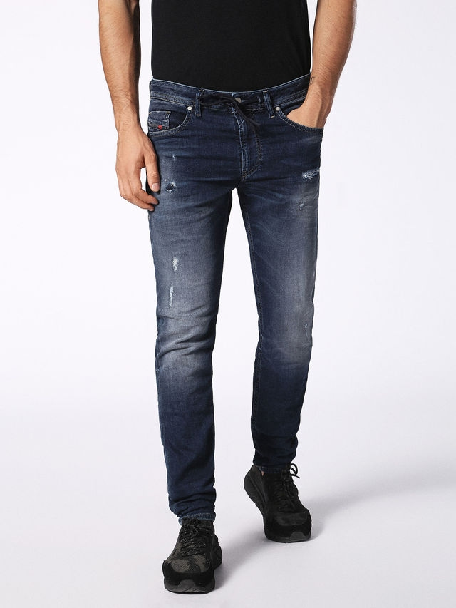 Pantalón tejano skinny modelo THOMMER color azul oscuro lavado. 90% Algodón 8% Poliéster 2% Elastáno.