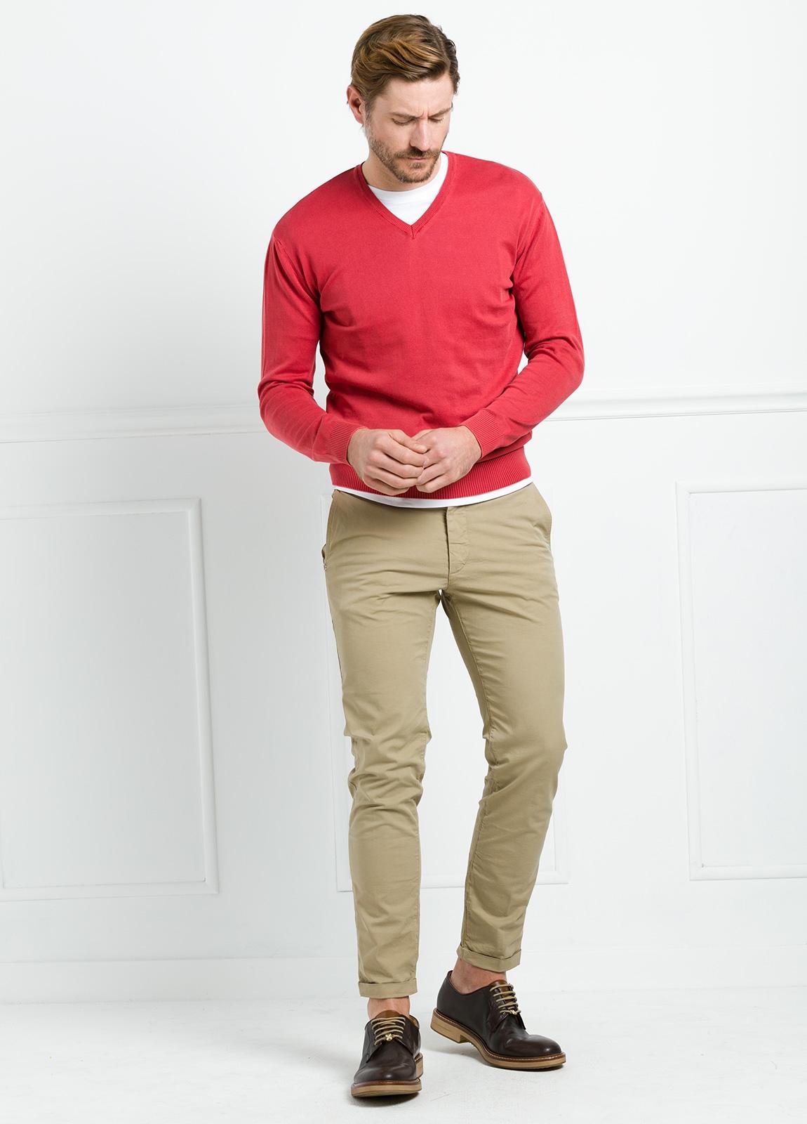 Jersey cuello pico color rojo, 100% Algodón. - Ítem4