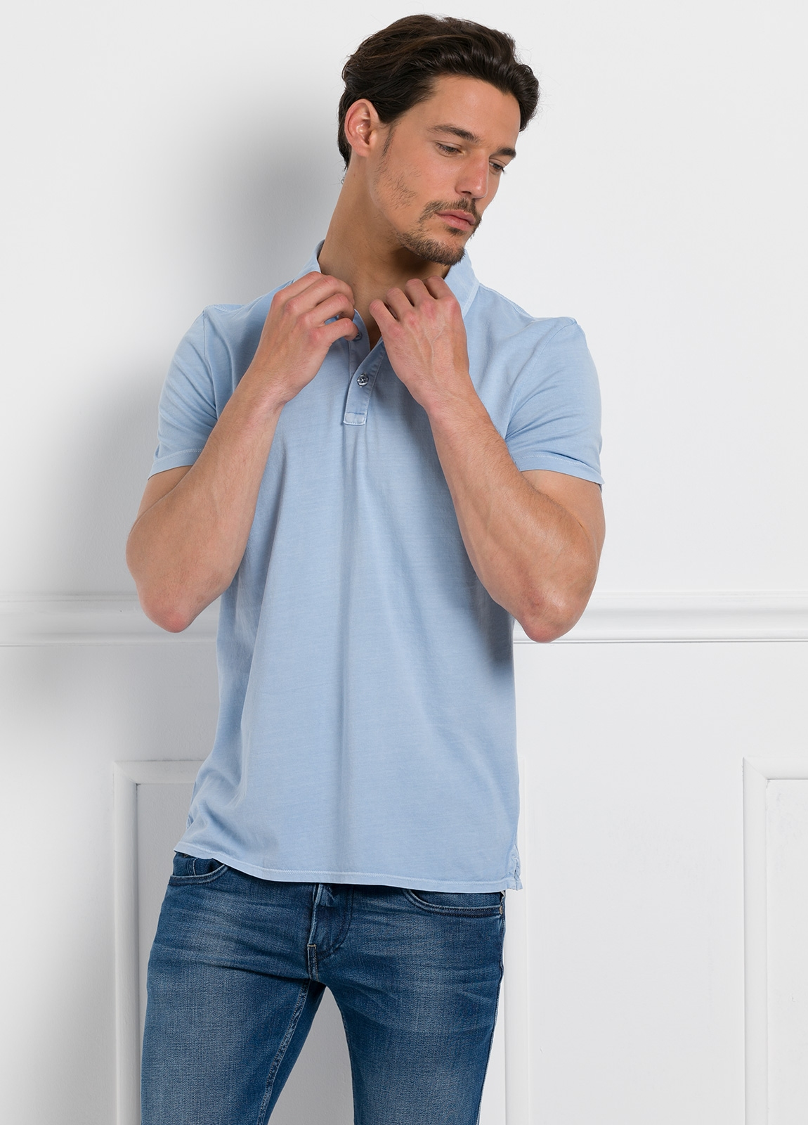 Polo liso manga corta, color azul celeste. 100% Algodón interlock. - Ítem1
