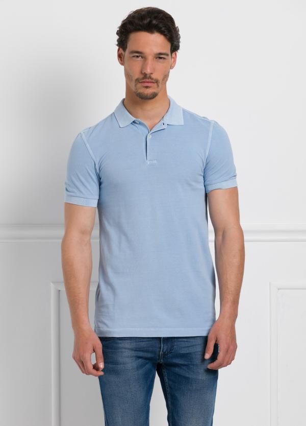 Polo liso manga corta, color azul celeste. 100% Algodón Piqué.
