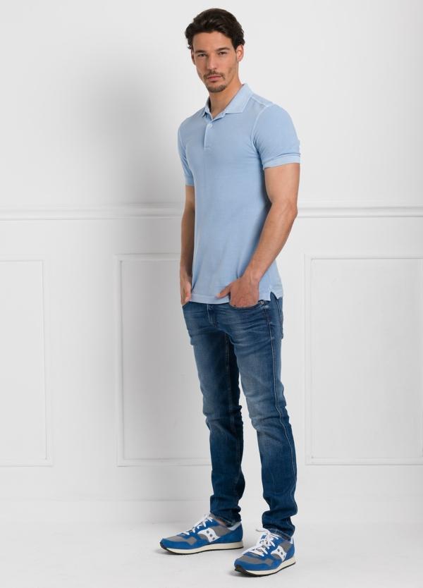 Polo liso manga corta, color azul celeste. 100% Algodón Piqué. - Ítem1