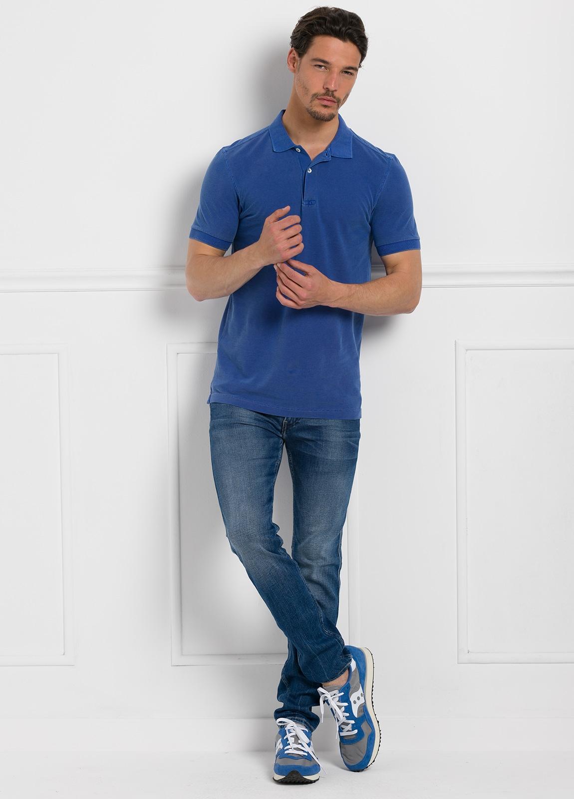 Polo liso manga corta, color azulón. 100% Algodón Piqué.