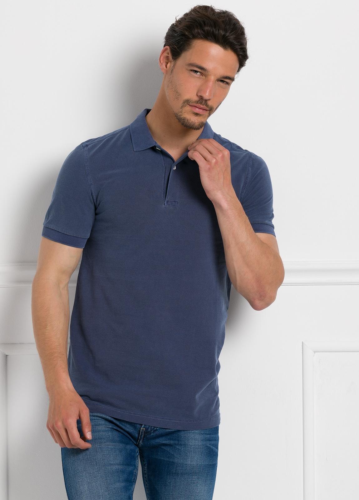Polo liso manga corta, color azul. 100% Algodón Piqué.