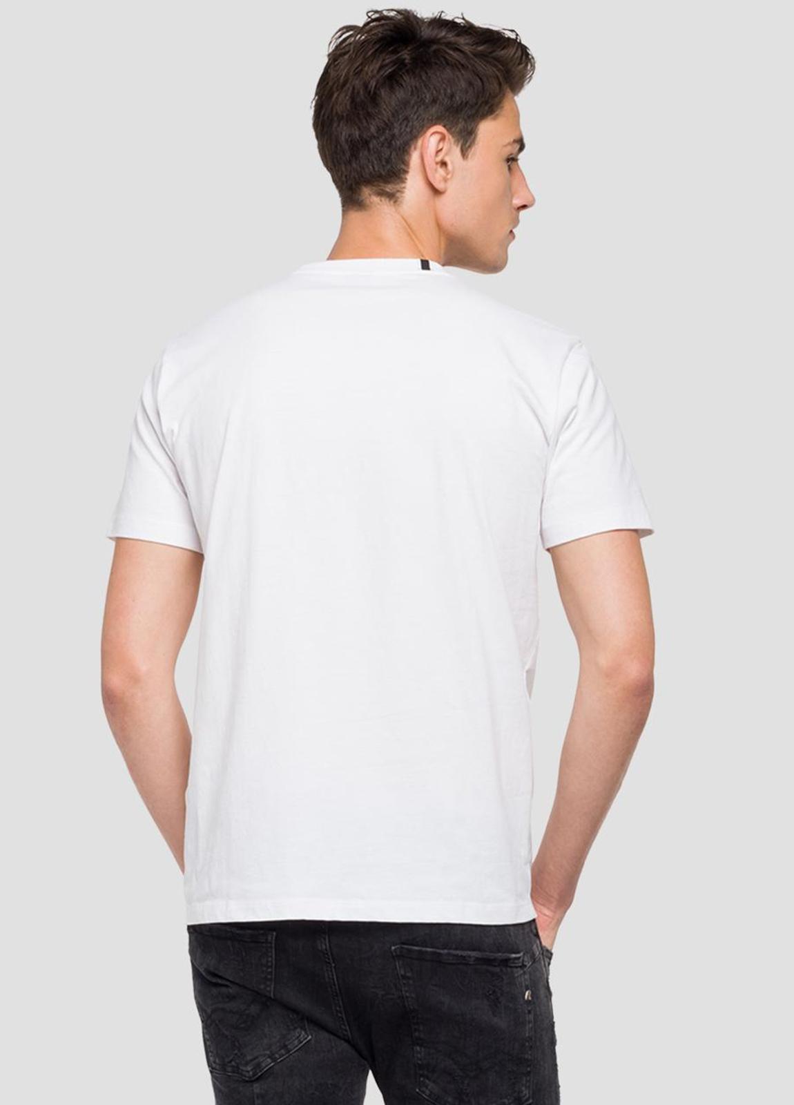Camiseta manga corta color blanco con estampado en pecho.100% Algodón. - Ítem1