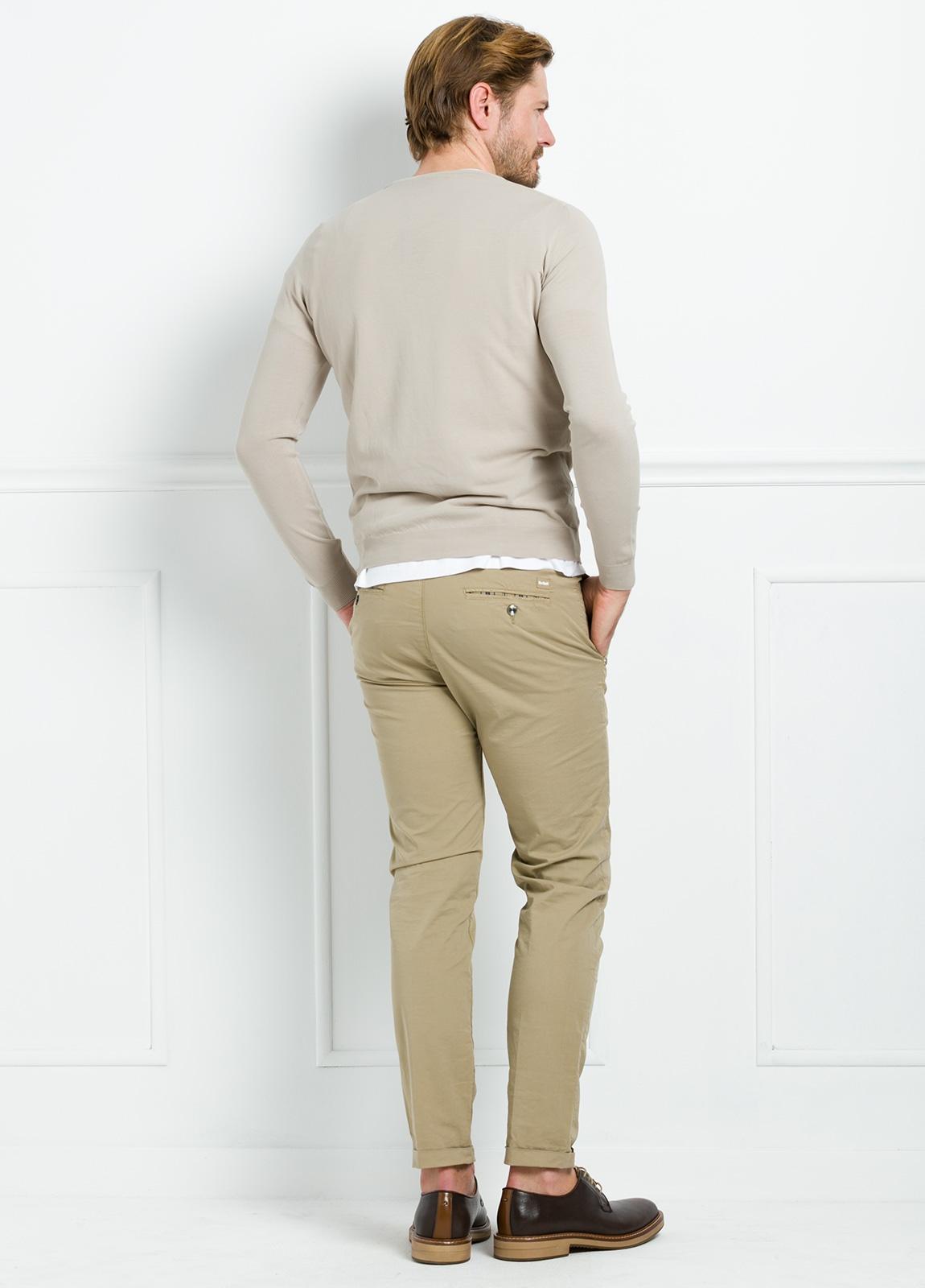 Jersey liso cuello redondo color beige. 100% Algodón microesterilla. - Ítem2