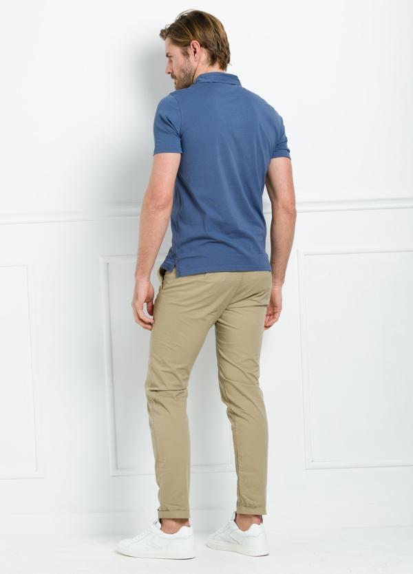 Polo liso manga corta color azul medio con bolsillo en pecho. 100% Algodón. - Ítem1