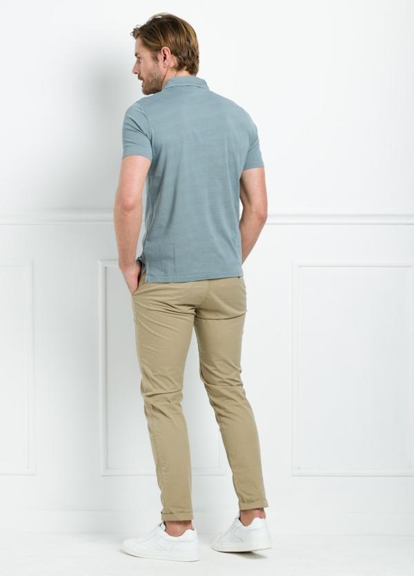 Polo liso manga corta color gris medio gastado con bolsillo en pecho. 100% Algodón. - Ítem1