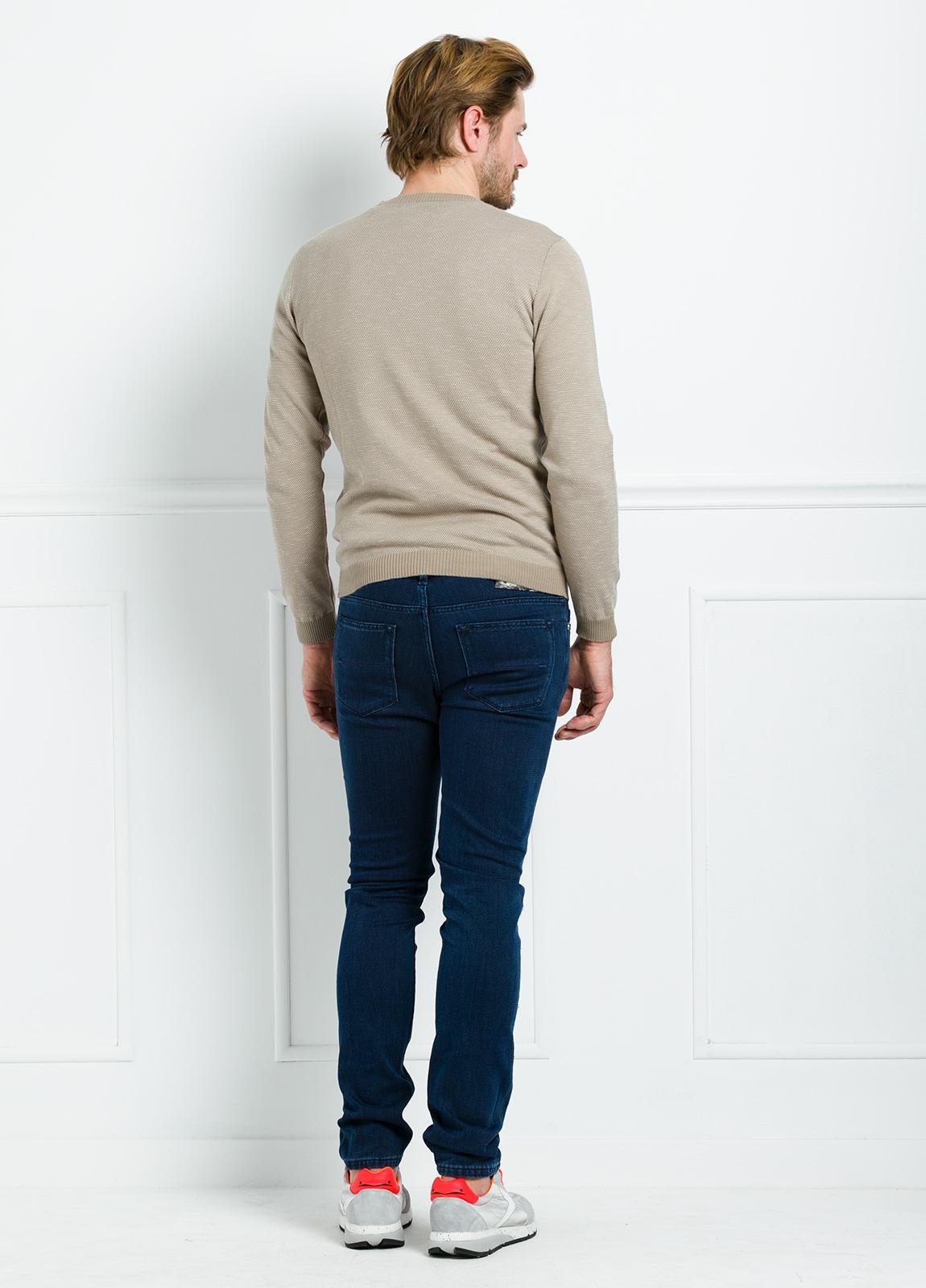 Jersey cuello redondo color beige. 100% Algodón - Ítem3
