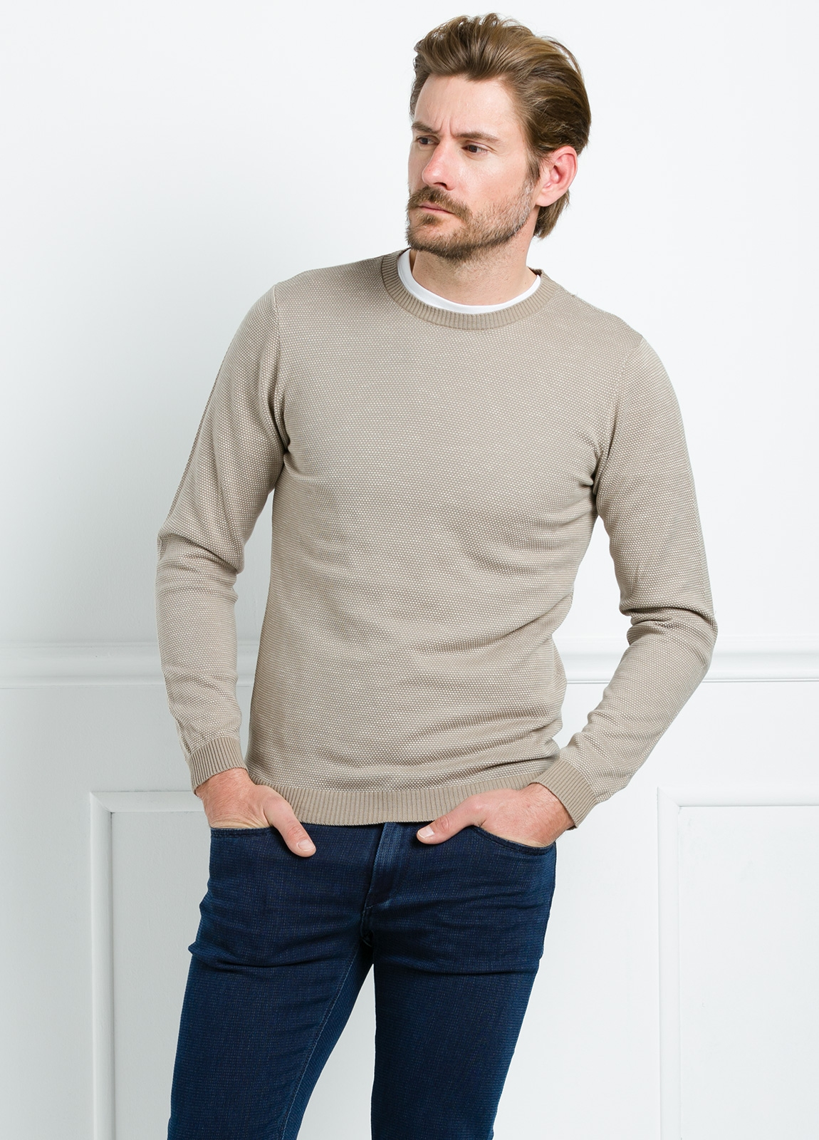 Jersey cuello redondo color beige. 100% Algodón