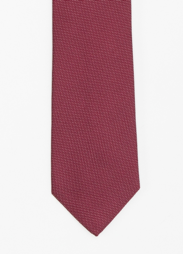 Corbata formal wear micro textura, color granate pala 7,5 CM 100% Seda.
