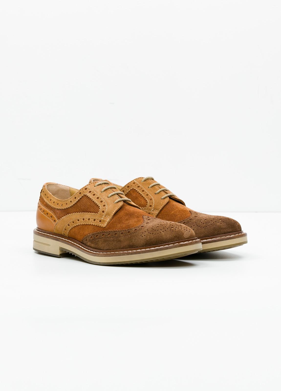 Zapato Sport Wear color marrón. Combinación de serraje y piel con troquelado. - Ítem3