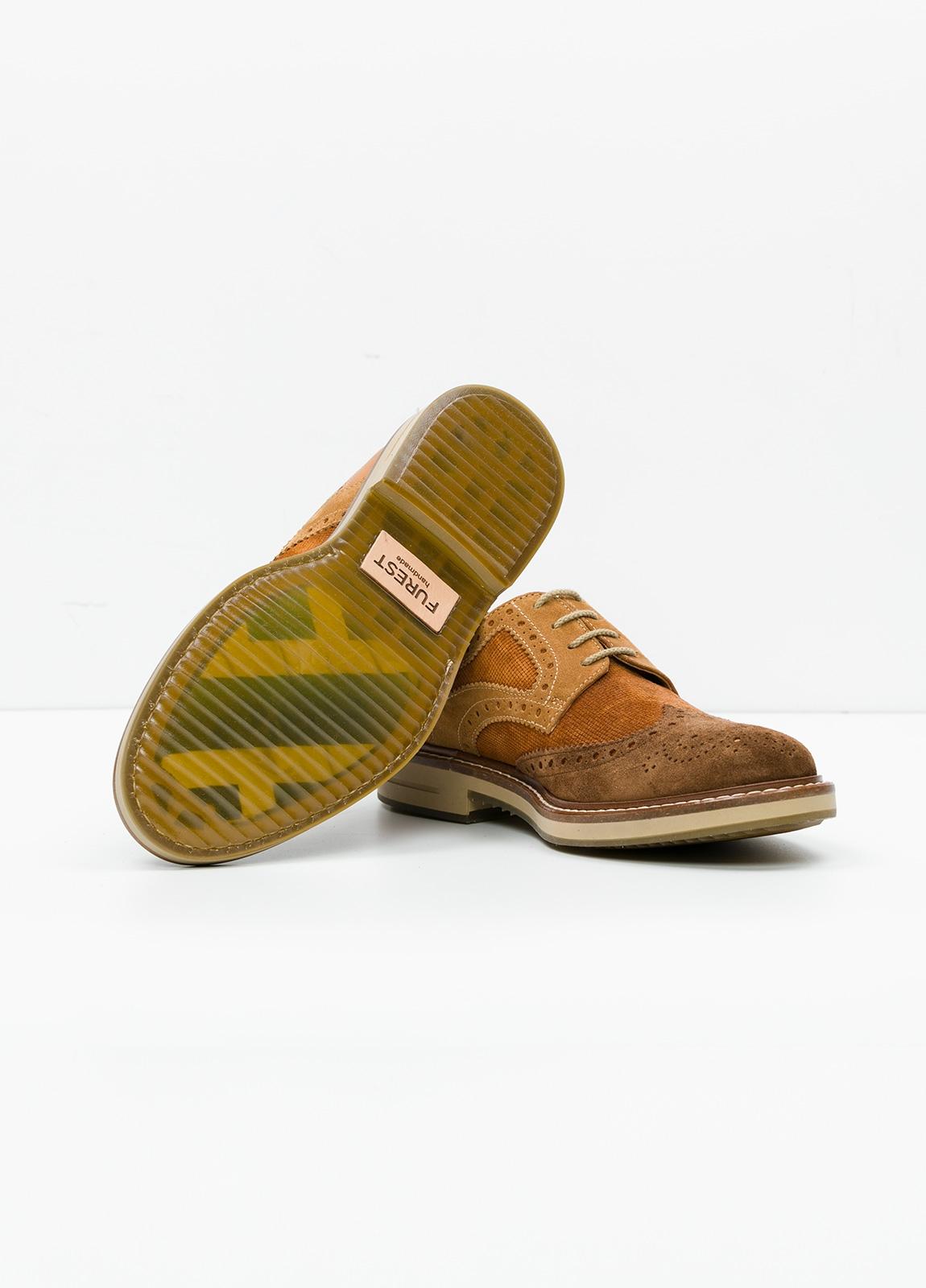 Zapato Sport Wear color marrón. Combinación de serraje y piel con troquelado. - Ítem1