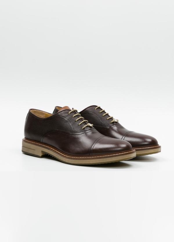 Zapato Formal Wear con cordones color marrón combinación de piel lisa y grabada. 100% Piel. - Ítem2