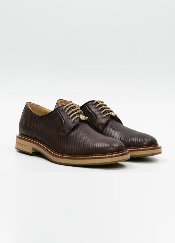 Zapato Formal Wear con cordones color marrón. 100% Piel grabada. - Ítem2