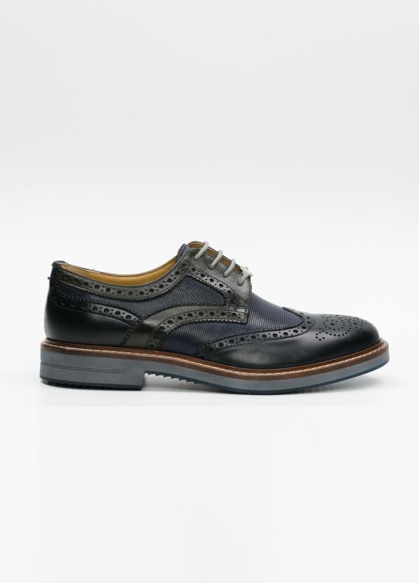 Zapato Formal Wear con cordones con detalles troquelados y combinación de piel lisa y piel grabada color azul marino. 100% piel.