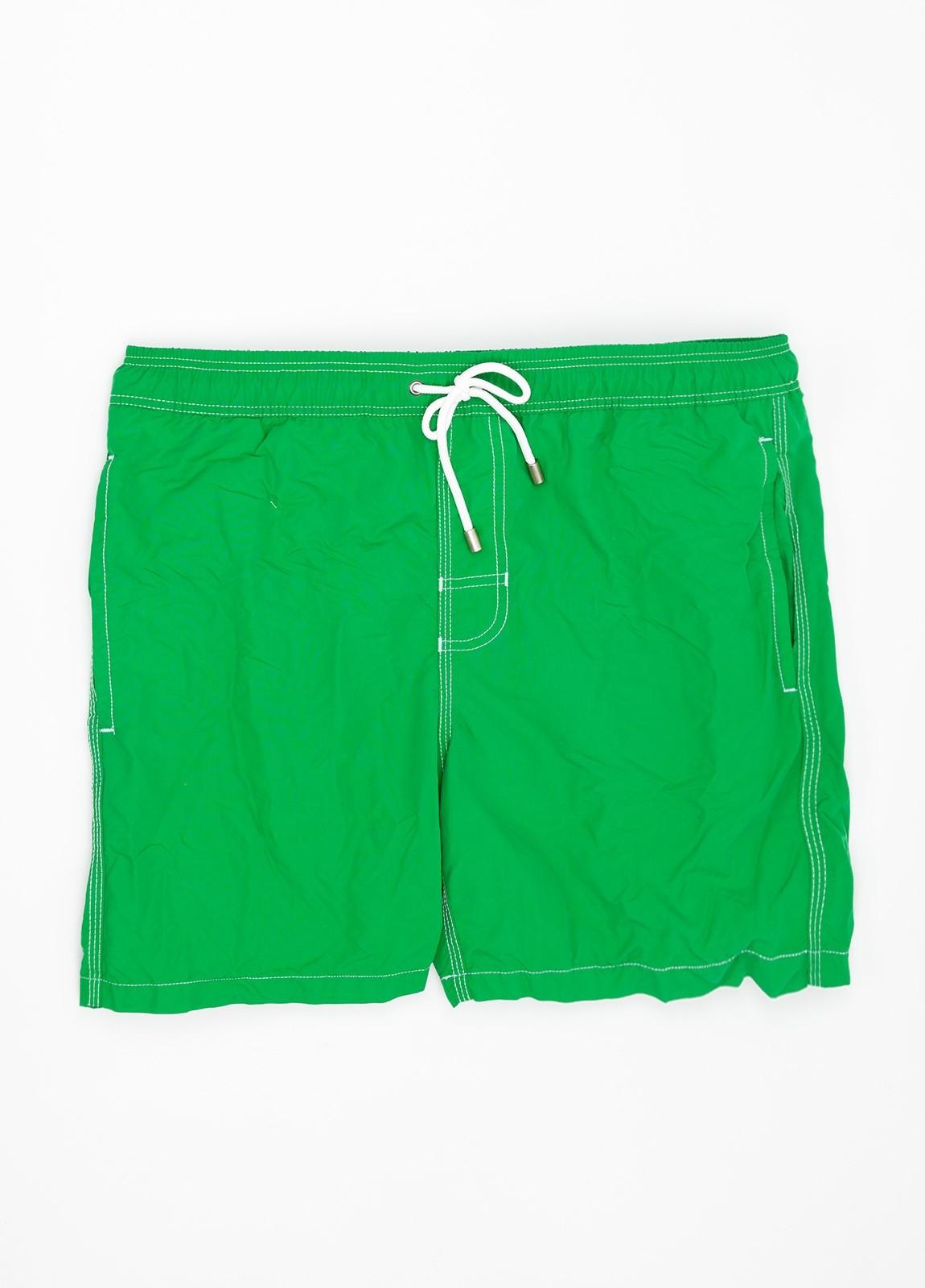 Bañador liso color verde.