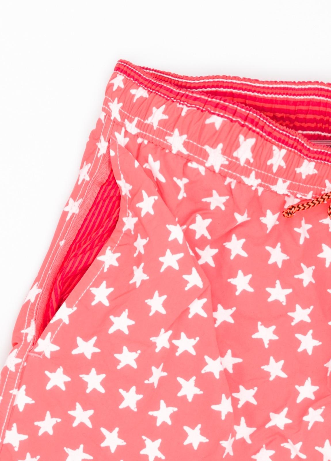 Bañador con estampado de estrellas color rojo. - Ítem1