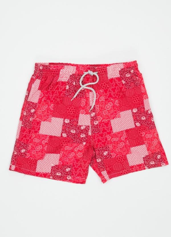 Bañador con estampado de patchwork color rojo.