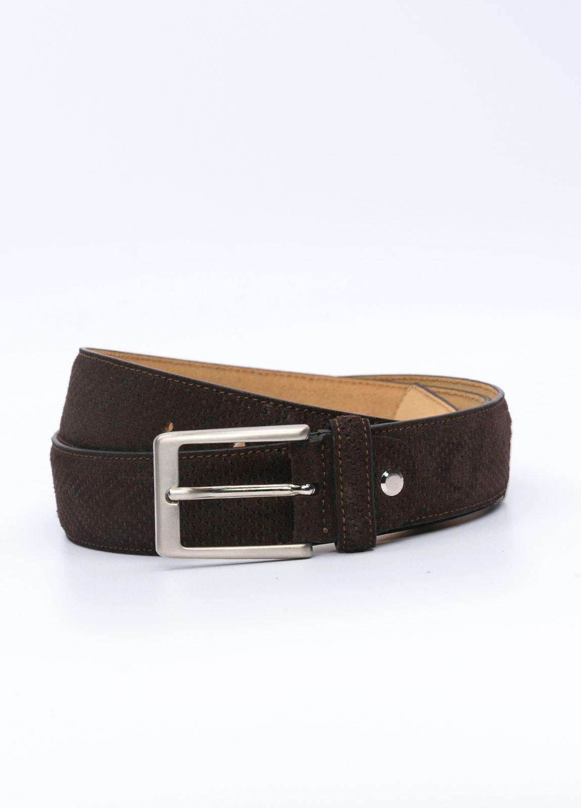 Cinturón Sport grabado color marrón, 100% Serraje.