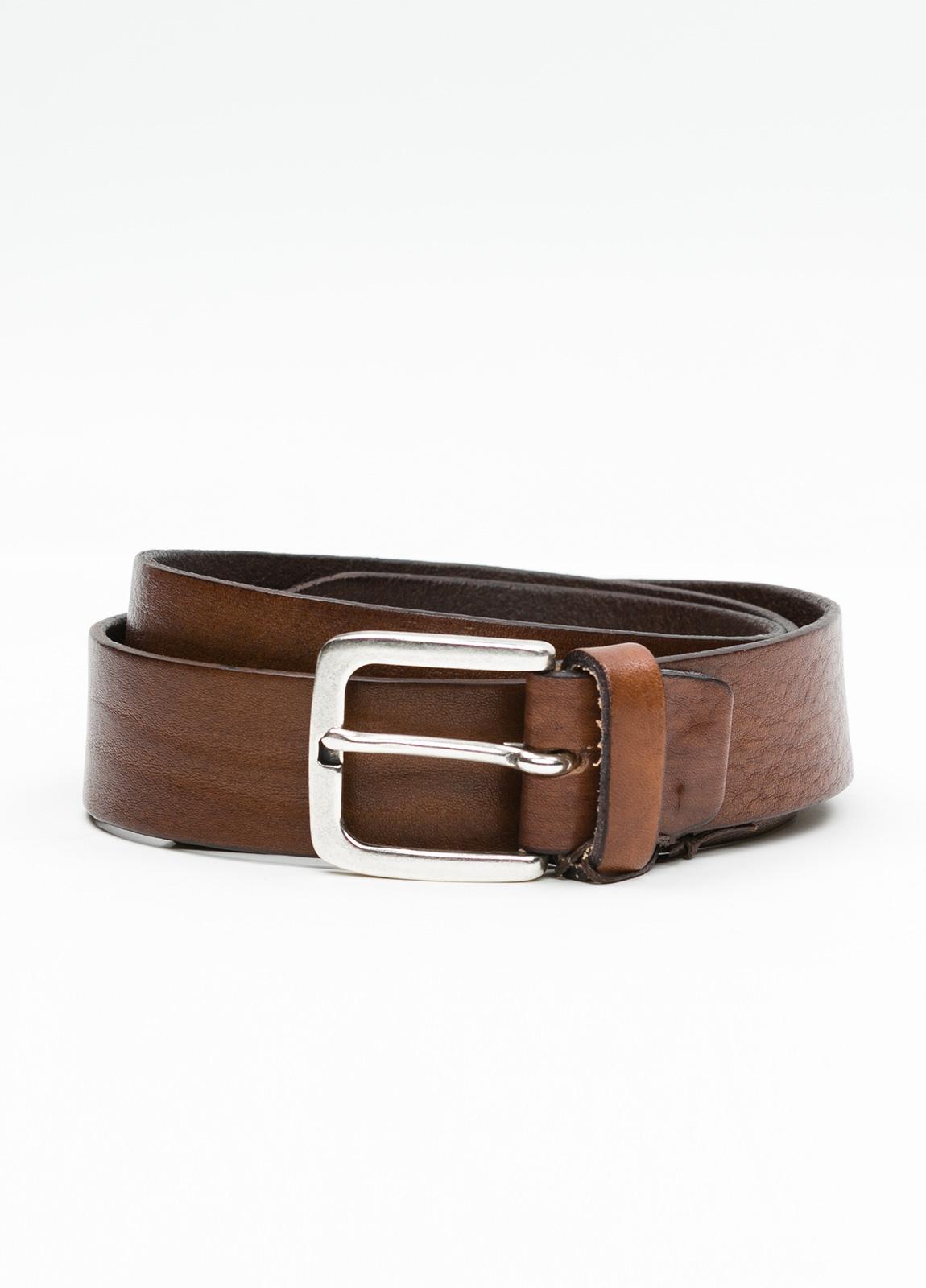 Cinturón sport piel lisa color marrón. 100% Piel.