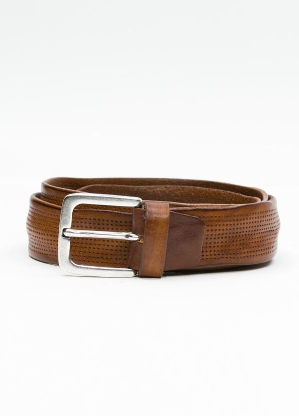 Cinturón sport piel perforada color cognac. 100% Piel.
