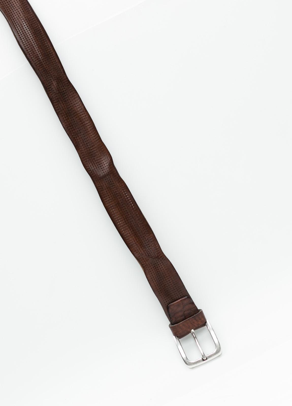 Cinturón sport piel perforada color marrón. 100% Piel. - Ítem1