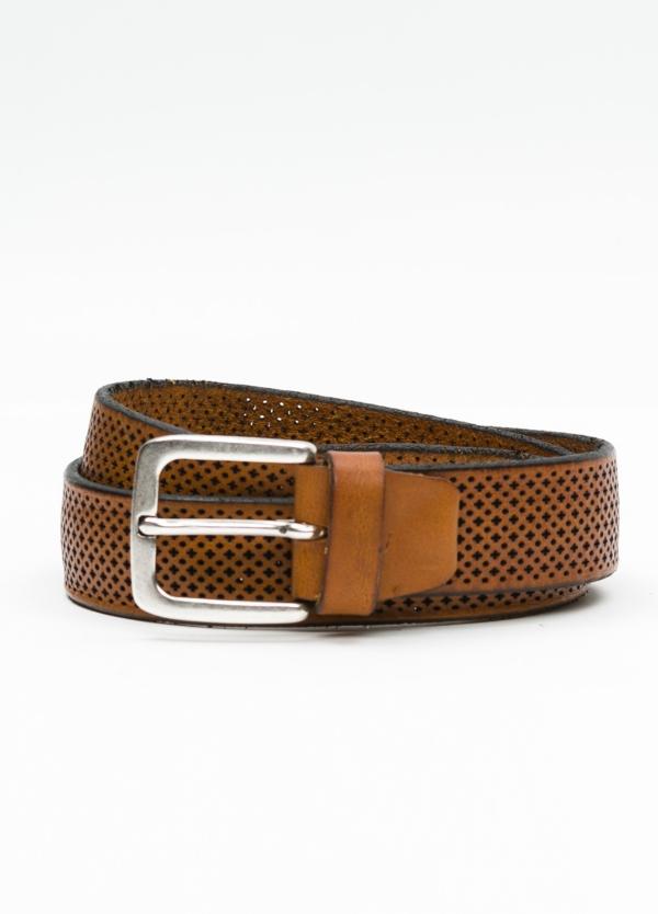 Cinturón sport dibujo perforado color cognac. 100% Piel.