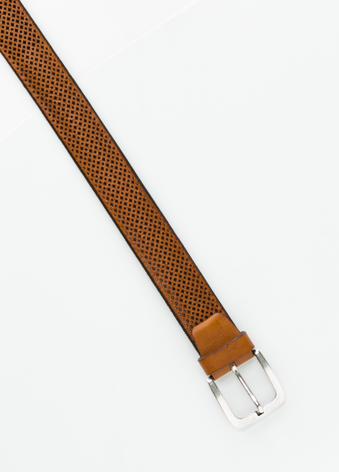Cinturón sport dibujo perforado color cognac. 100% Piel. - Ítem1