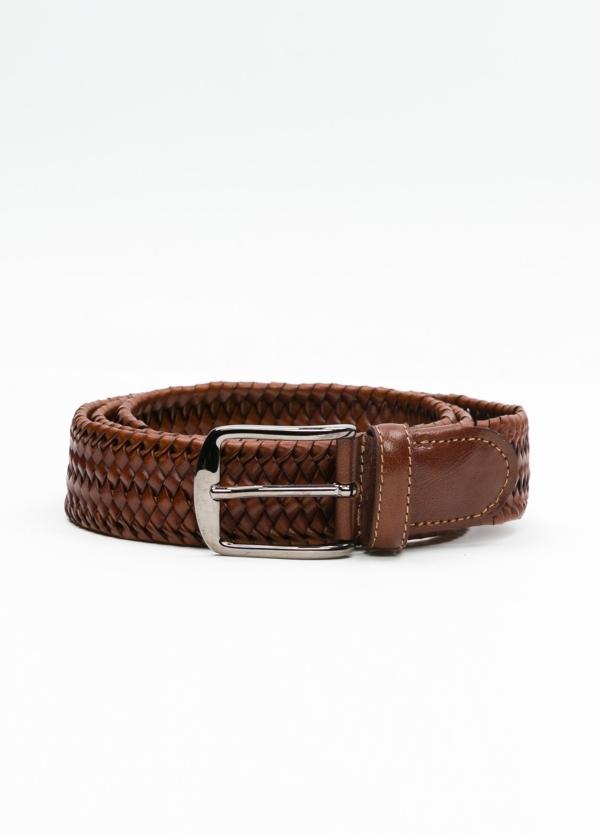 Cinturón sport tranzado color cognac. 100% Piel.