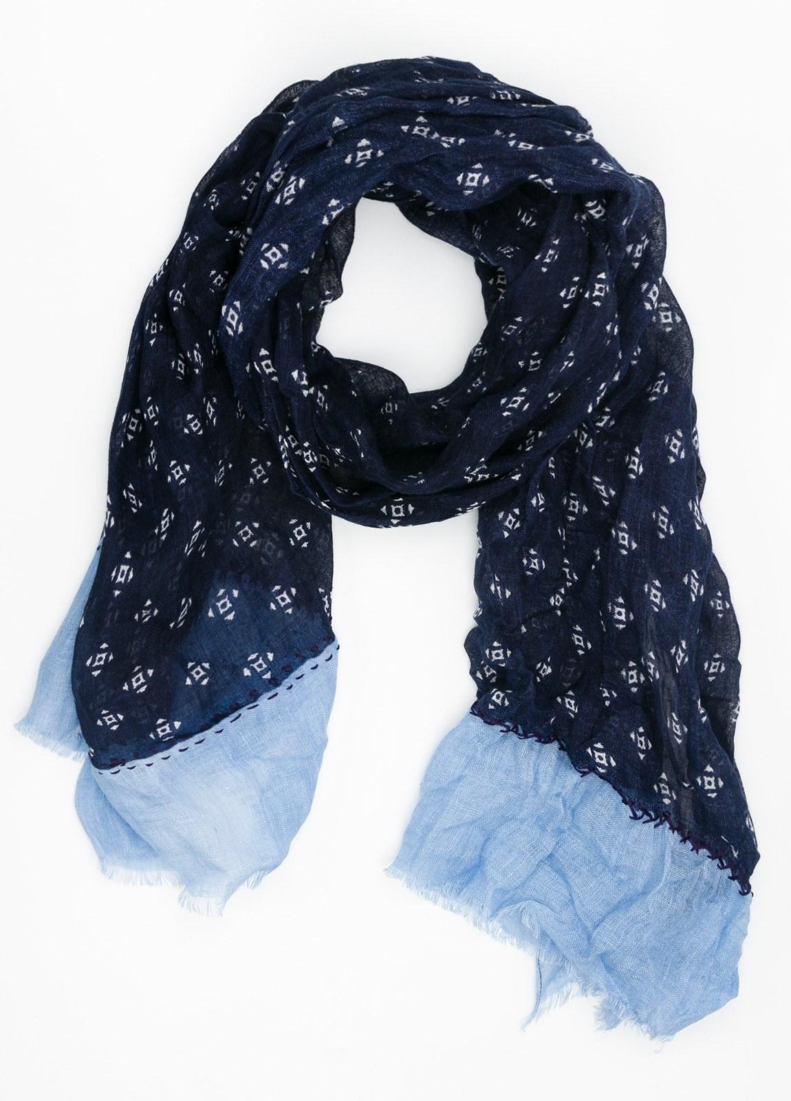 Foulard estampado color azul marino y azul celeste. Modelo 70 X 190 cm. 100% Lino