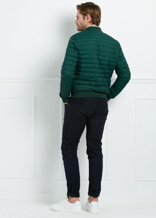 Chaqueta modelo LEON color verde, tejido técnico. - Ítem2