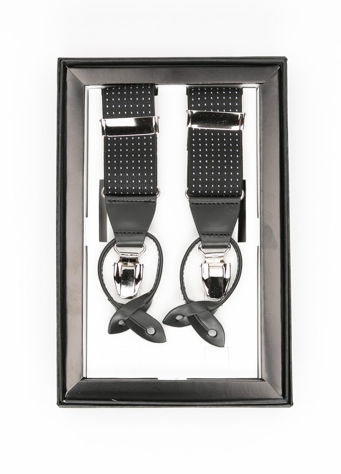 Tirantes color negro con con detalles en piel y acero.