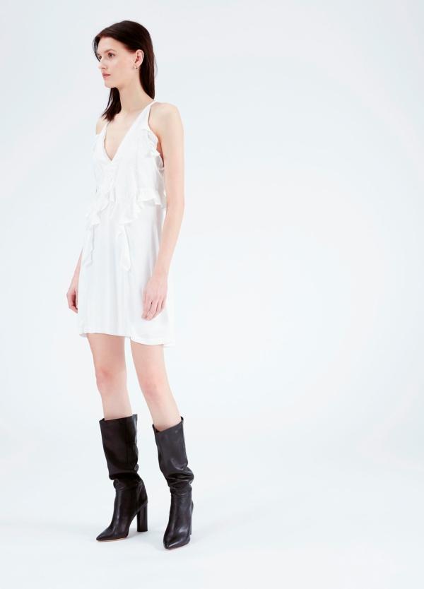 vestido de tirantes y cuello pico con bordes de encaje y detalle de volantes, color blanco. 53% Viscosa 47% Rayón. - Ítem1