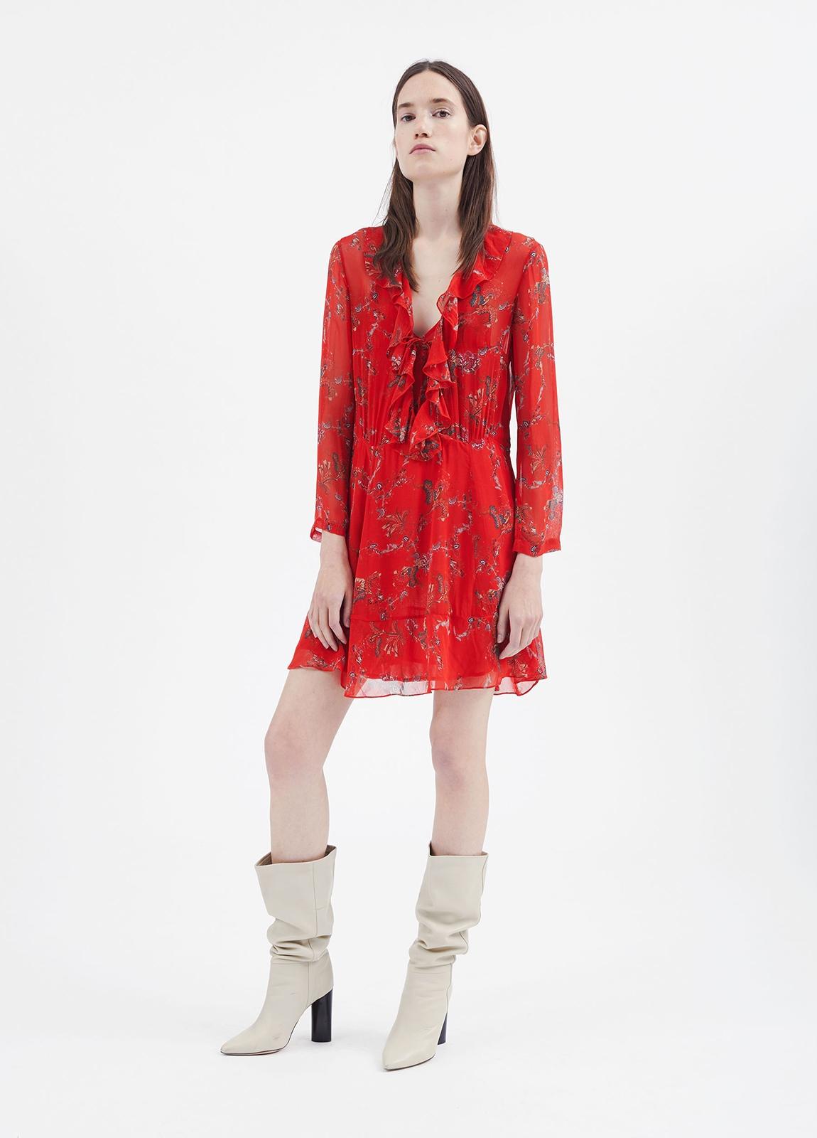 Vestido estampado floral color rojo con detalle de volantes. 100% Viscosa.
