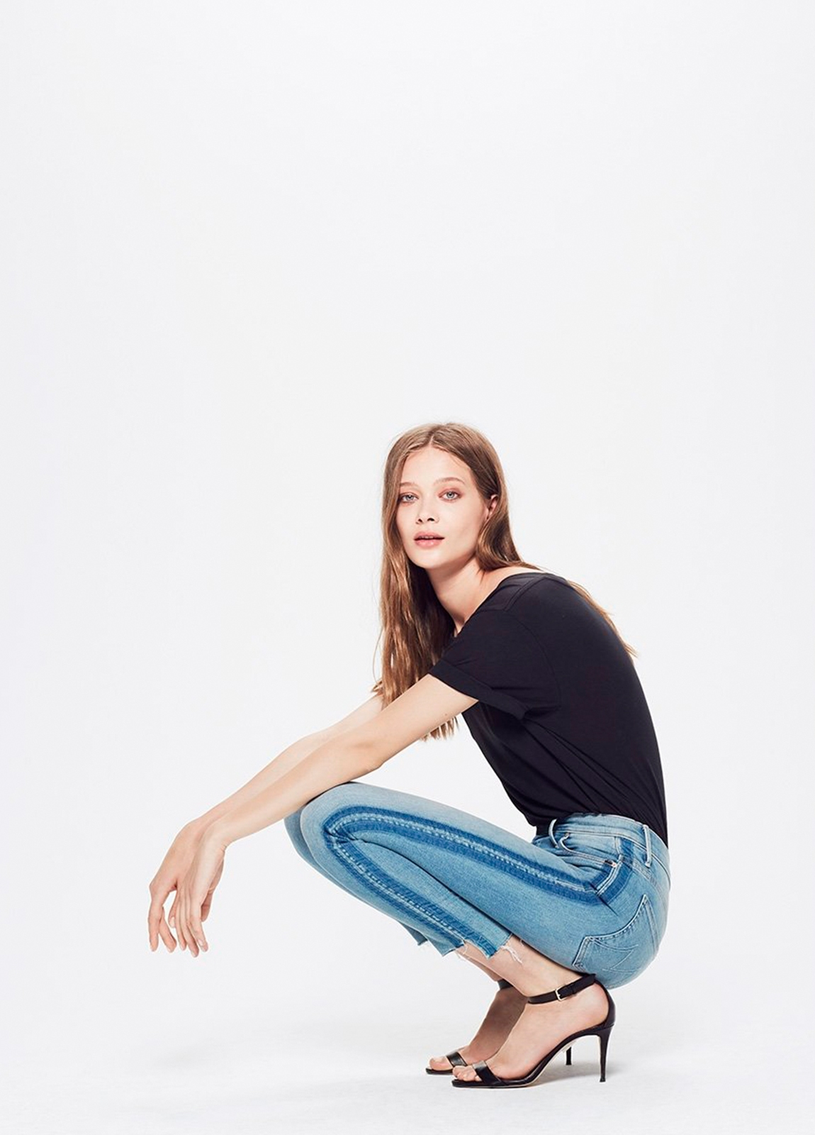 Pantalón tejano SIDE STRIPE JEANS color azul denim y raya lateral. 94% Algodón 5% Poliéster 1% Elastano.