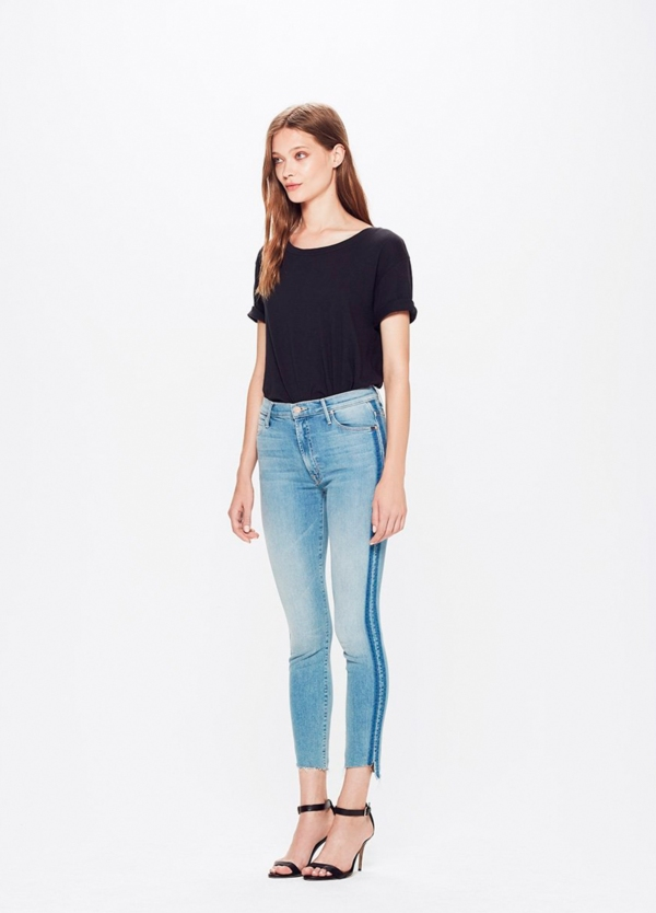 Pantalón tejano SIDE STRIPE JEANS color azul denim y raya lateral. 94% Algodón 5% Poliéster 1% Elastano. - Ítem2