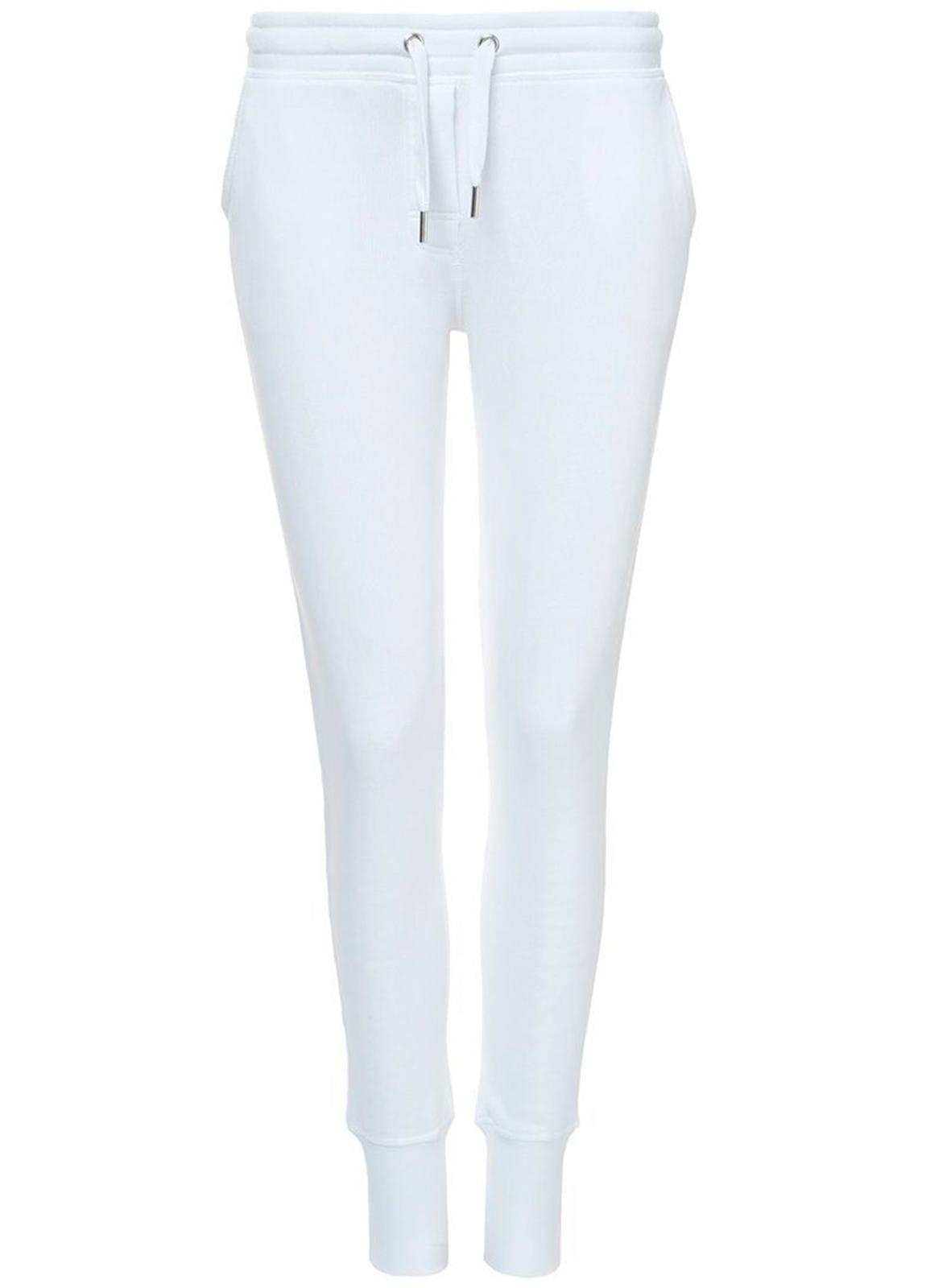 Pantalón jogging slim fit color blanco. 80% Algodón 20% Poliéster.
