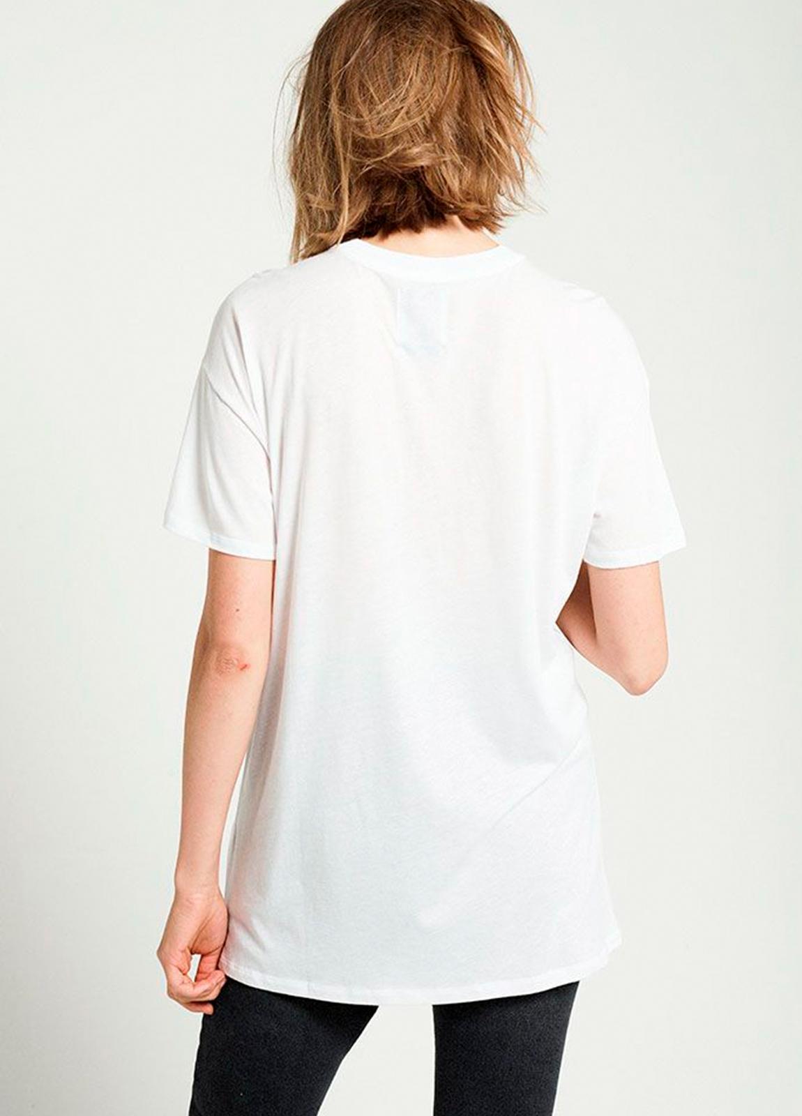 Camiseta manga corta color blanco con estampado gráfico. 100% Algodón. 50% Algodón 50% Modal. - Ítem1