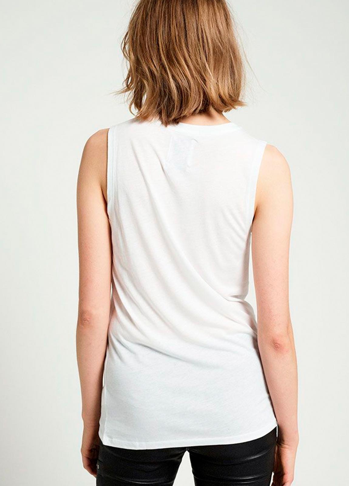 Camiseta sin mangas color blanco con estampado gráfico. 50% Algodón 50% Modal. - Ítem1
