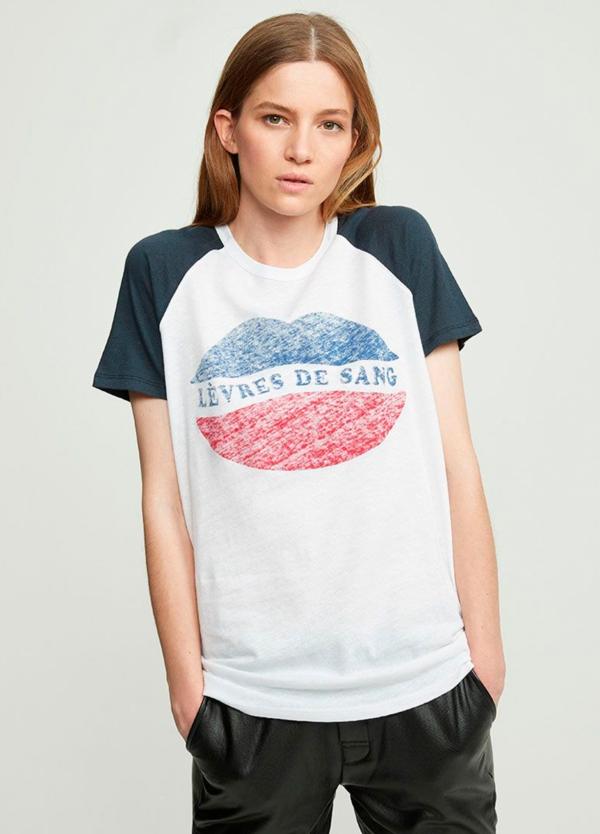Camiseta manga corta color blanco con estampado gráfico. 80% Algodón 20% Lino.