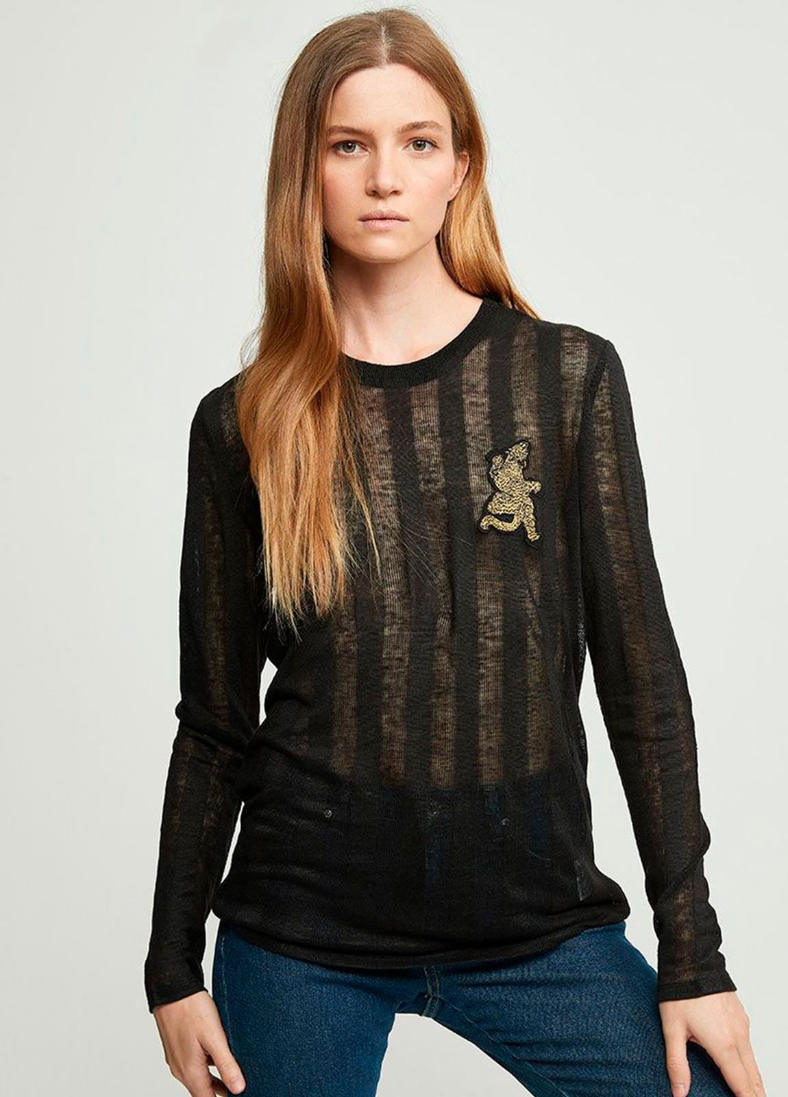 Camiseta manga larga semitransparente color negro con leopardo bordado. 100% Lino.