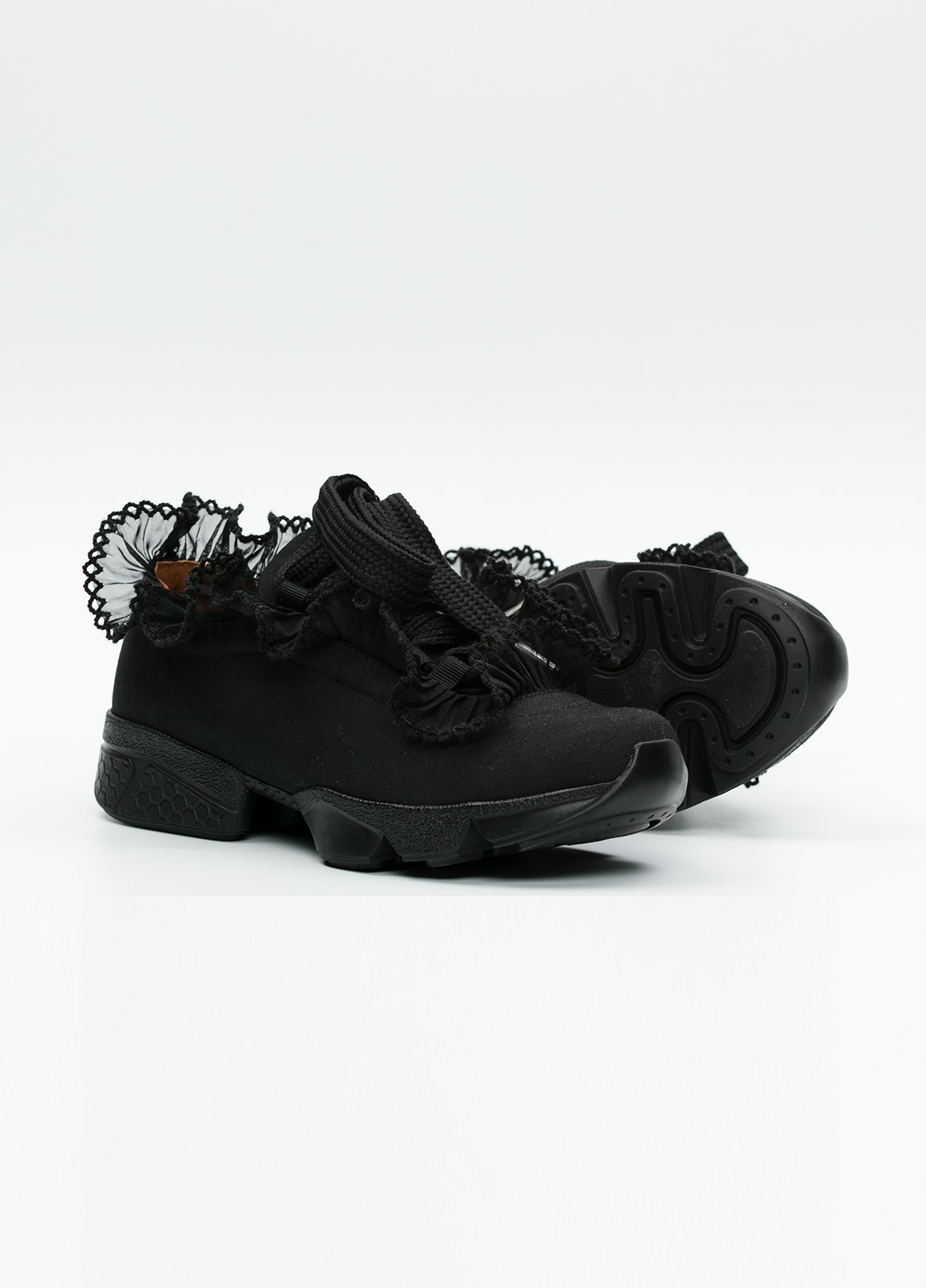 Calzado sport woman color negro cordones con detalle volantes. - Ítem2