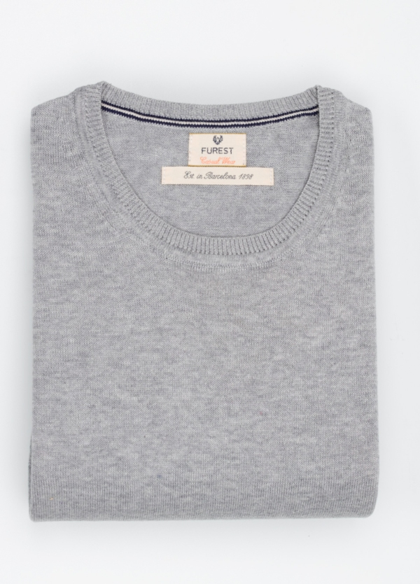Jersey Casual Wear, SLIM FIT cuello redondo color gris, 100% algodón.