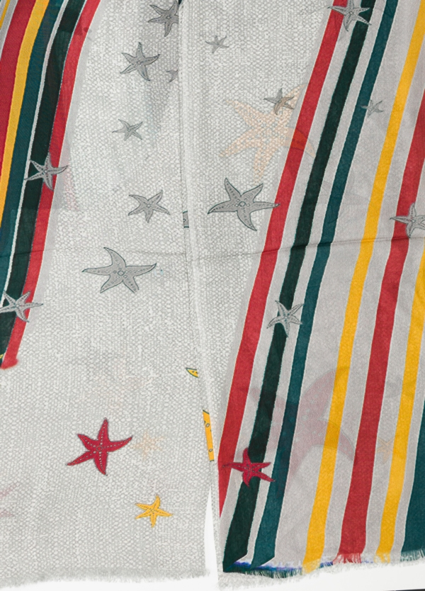 Foulard estampado estrellas color gris 100 x 200 cm. 100% Seda. - Ítem1